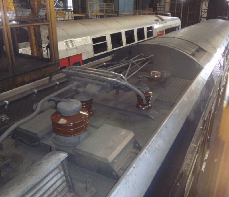 vue toiture plus panto Z2N technicentre des Ardoines oct 2013
