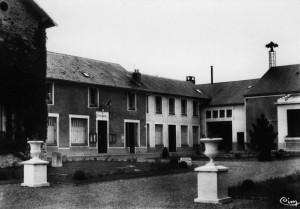 SSO COUR MAIRIE v1950