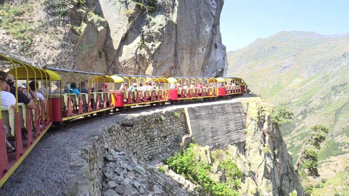 Train touristique d'Artouste (64) - (c) Jean-Marie CORBIN PEE Juillet 2015
